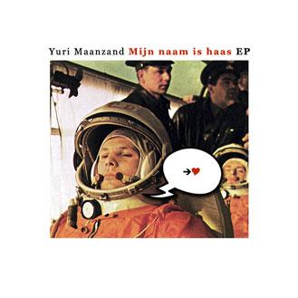 Yuri Maanzand zingt een lied